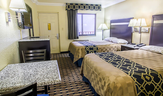 two double bed room at inn of america